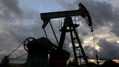 Photo of Rystad: Ropný sektor vglobále sníží letos své tržby o plný bilión dolarů na 1,47 biliónu USD. Volné cash flow sektoru bude sotva třetinové